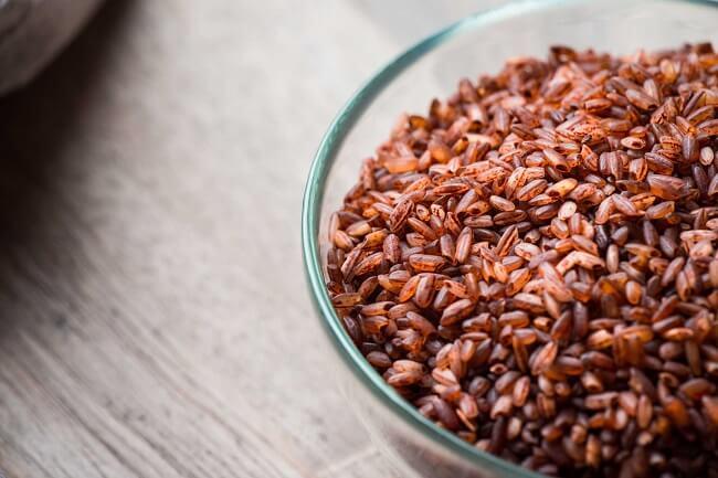 Gạo lứt được biết đến là một loại thực phẩm giàu vitamin.
