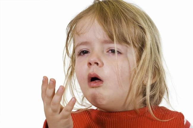 Trẻ bị ngộ độc dẫn đến nôn trớ
