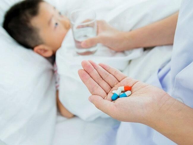 Cho trẻ dùng thuốc hạ sốt vào lúc nào?
