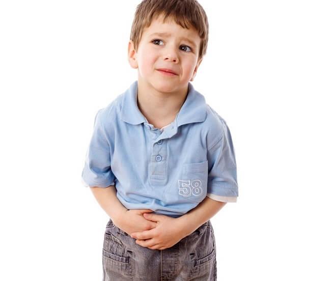 Vì sao trẻ bị đau bụng và buồn nôn?