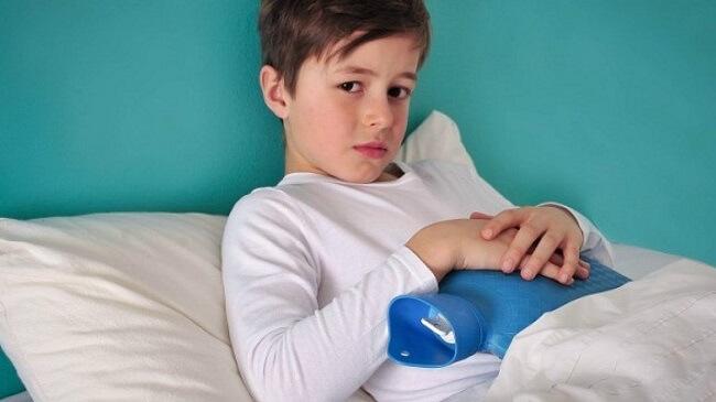 Cách xử trí khi trẻ bị đau bụng buồn nôn