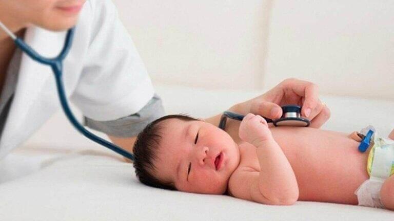 Ho gà có thể gây ra nhiều biến chứng nguy hiểm cho trẻ sơ sinh và trẻ nhỏ