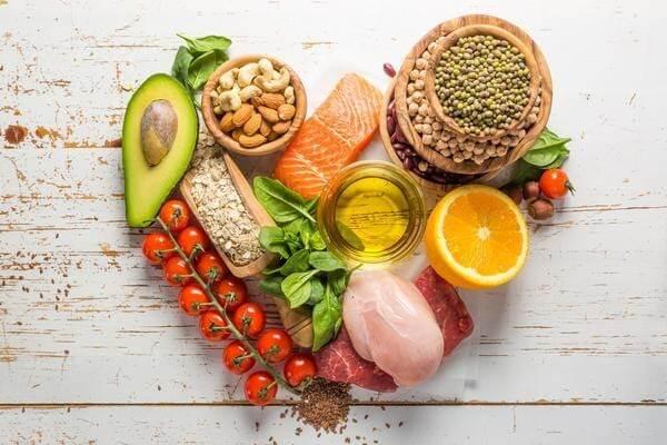 Cần bổ sung những thực phẩm lành mạnh cho trẻ
