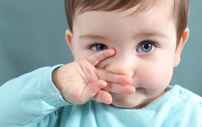 Vì sao trẻ sơ sinh hay hắt hơi?