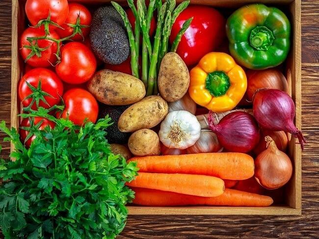 Tăng cường cho bé ăn các loại rau củ nhiều màu sắc