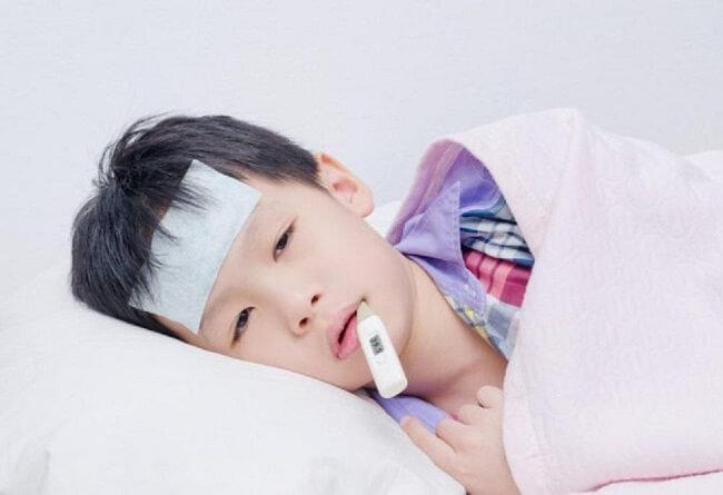 Viêm họng do virus hoặc vi khuẩn rất khó phân biệt