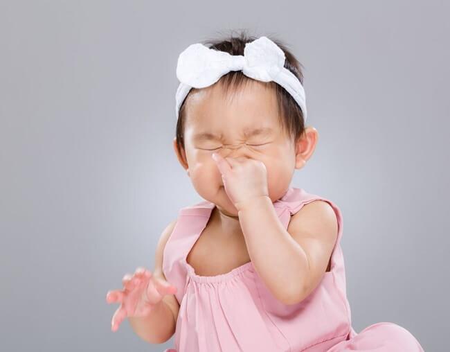 Trẻ bị nghẹt mũi lâu ngày có nguy hiểm không?