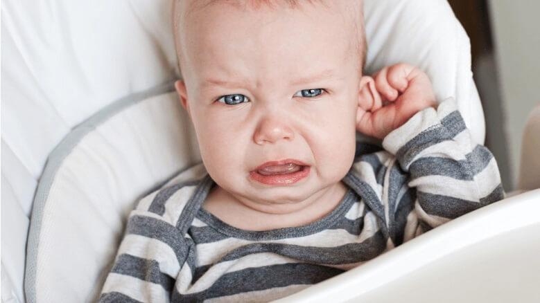 Dấu hiệu nhận biết trẻ sơ sinh bị viêm tai ngoài