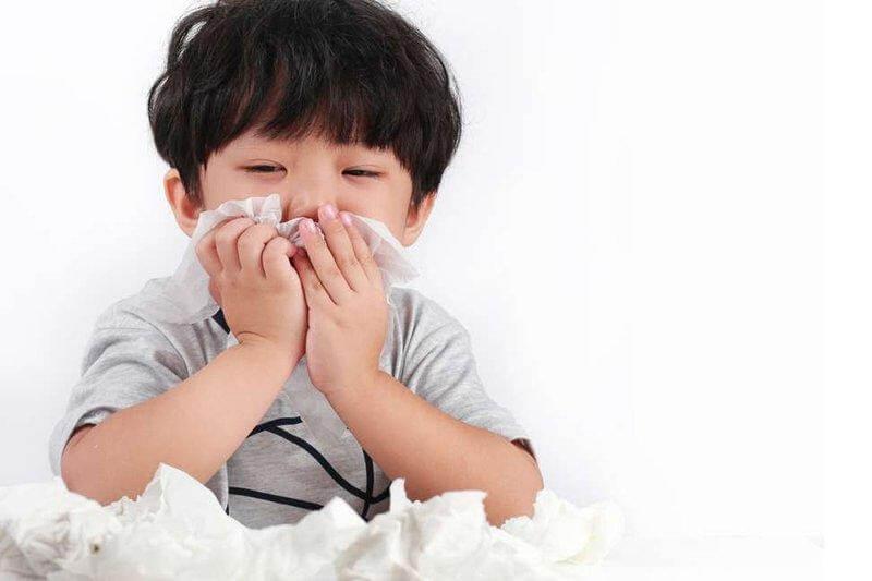 Trẻ có thể mắc 12 lần viêm đường hô hấp trên mỗi năm