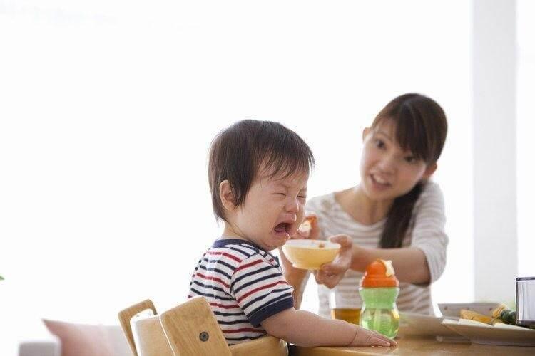 """Đừng ép trẻ ăn vì có thể gây tác dụng """"ngược"""""""