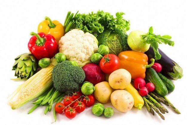 Tăng cường các loại rau củ, trái cây để cung cấp thêm vitamin và khoáng chất