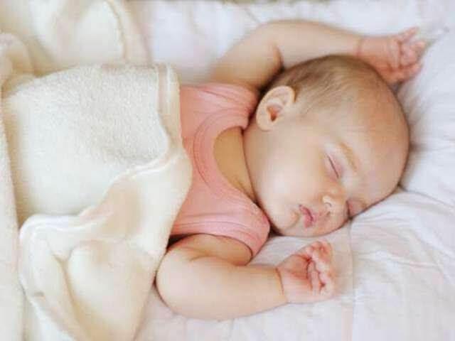 Chăm sóc giấc ngủ cho trẻ sơ sinh 1 tháng tuổi