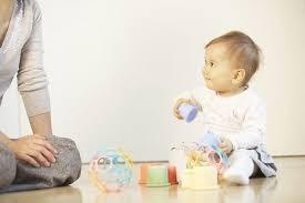 Phát triển và luyện tập trí năng cho trẻ 8 tháng tuổi