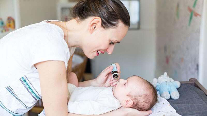 Nhỏ Vitamin d dạng giọt phổ biến và dễ sử dụng hơn cả.