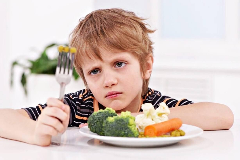 Trẻ thiếu vitamin d thường mệt mỏi, chán ăn, chậm phát triển.