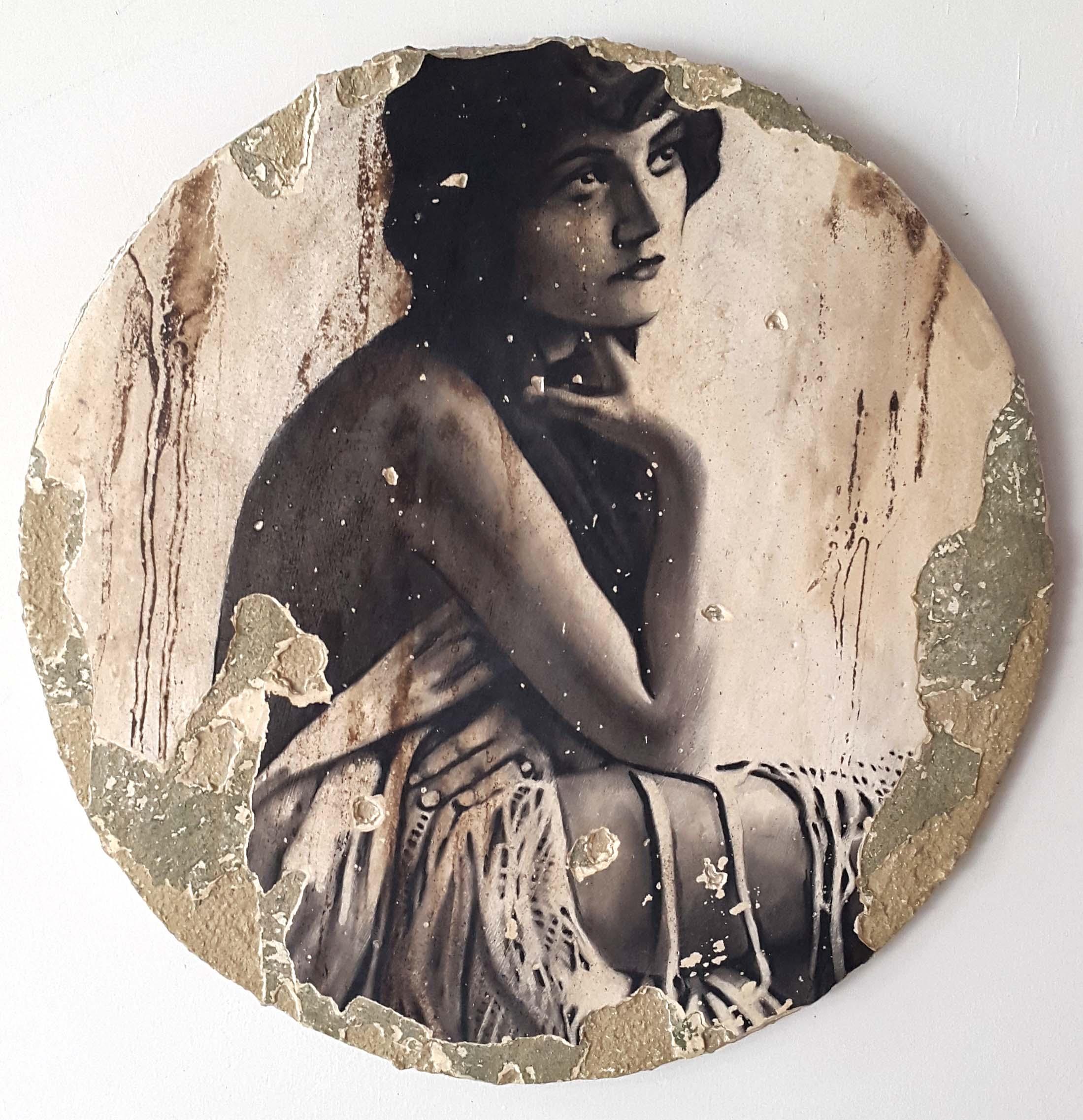 Descialbo (carboncino, bitume, tempera, intonaco) su cartone, 50x50 cm