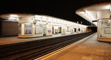 Empty platform at East Finchley tube station.