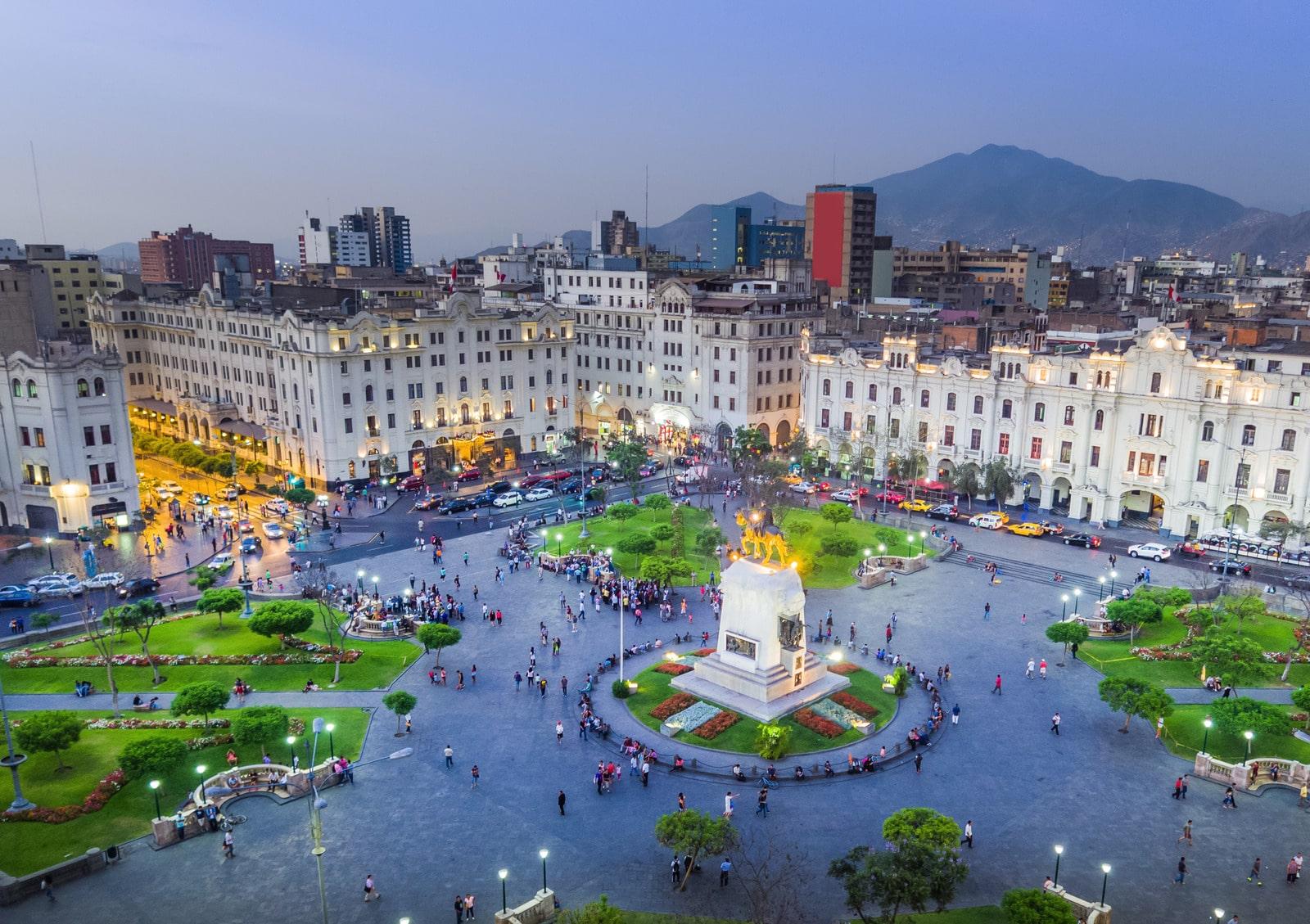 Plaza San Martin de Lima