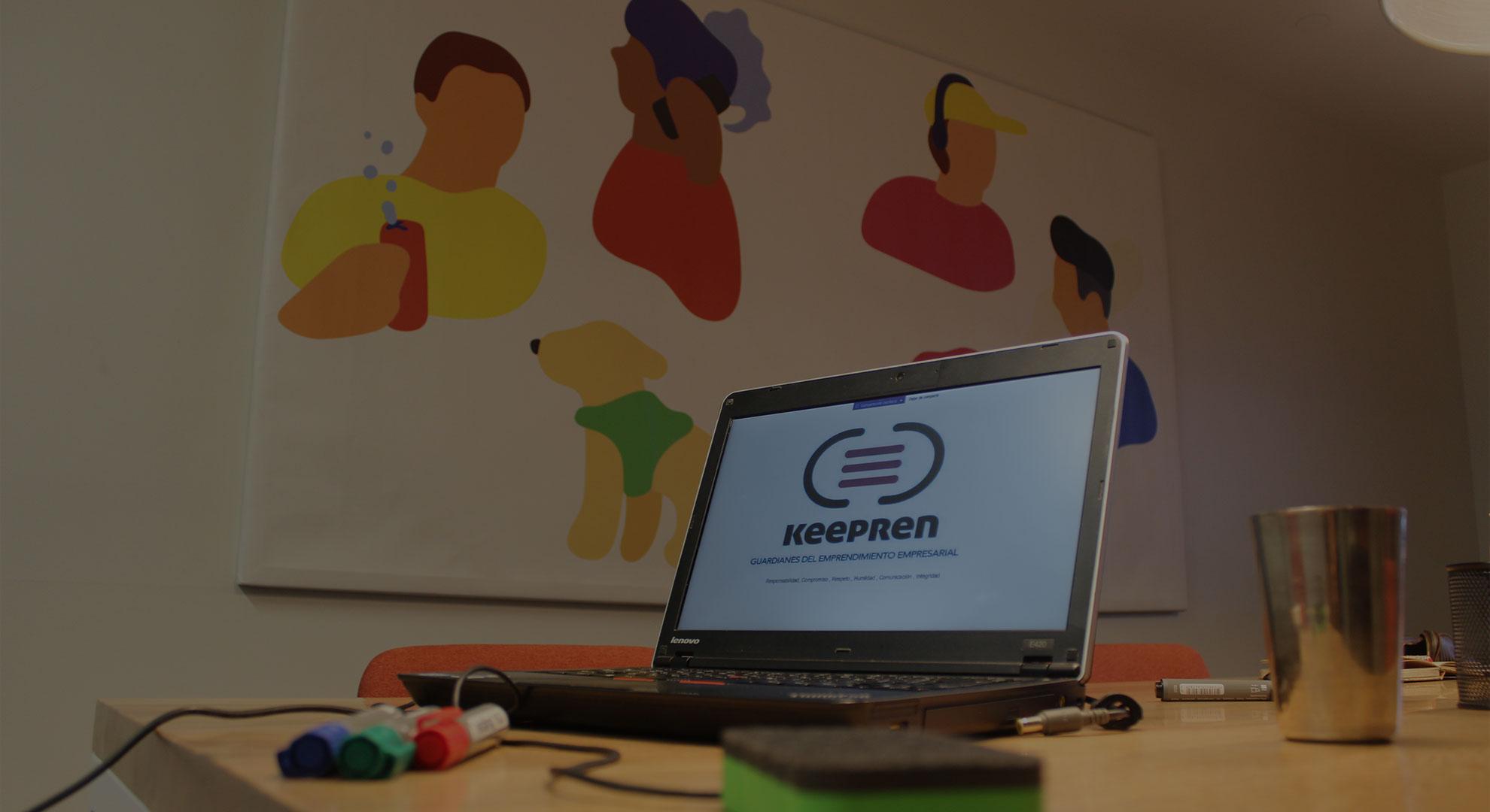 Personas trabajando en reunion en sala de juntas