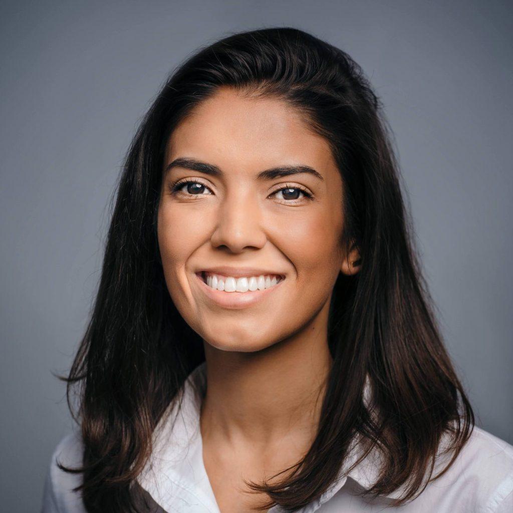 Adrianna Mena