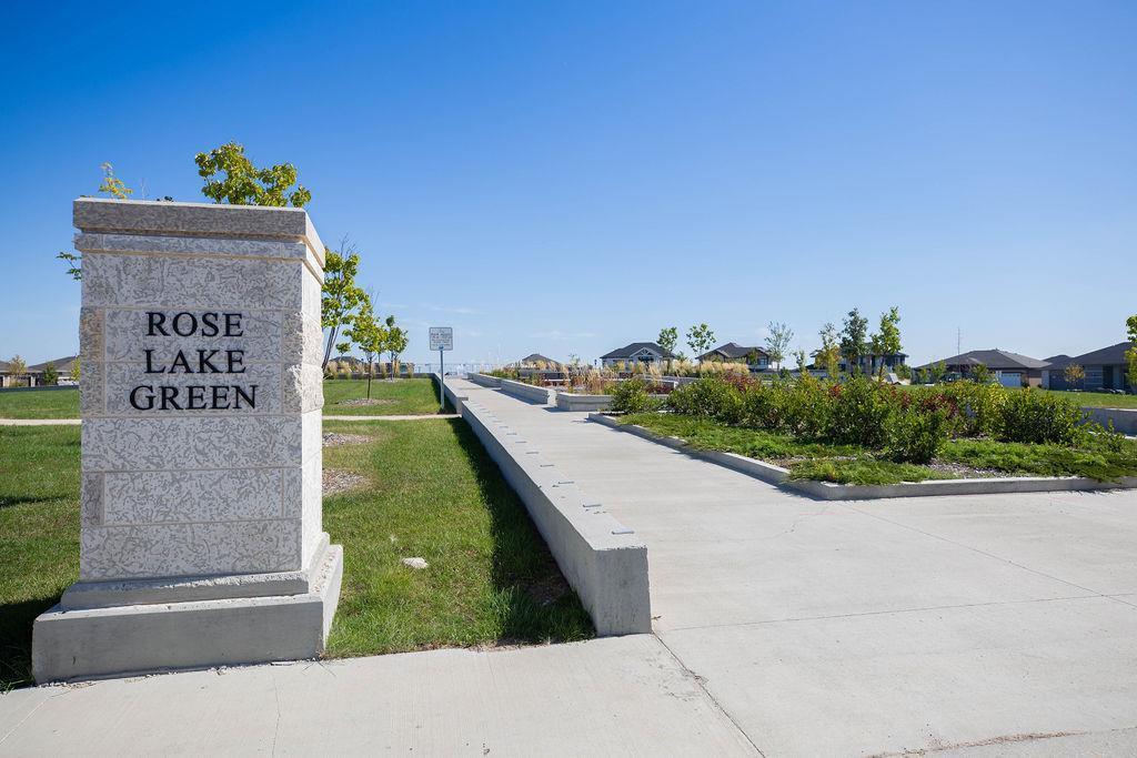 141 Rose Lake CRT - Community