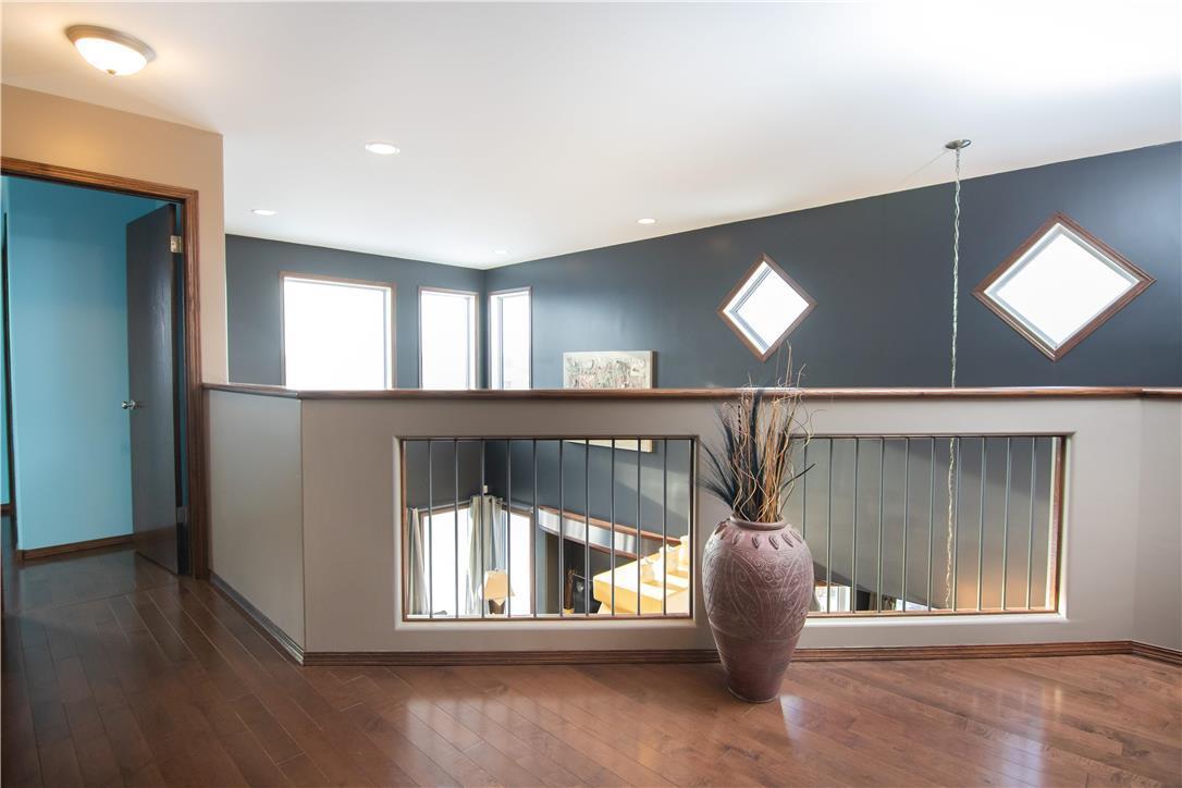 39 Kosman BLVD - Interior