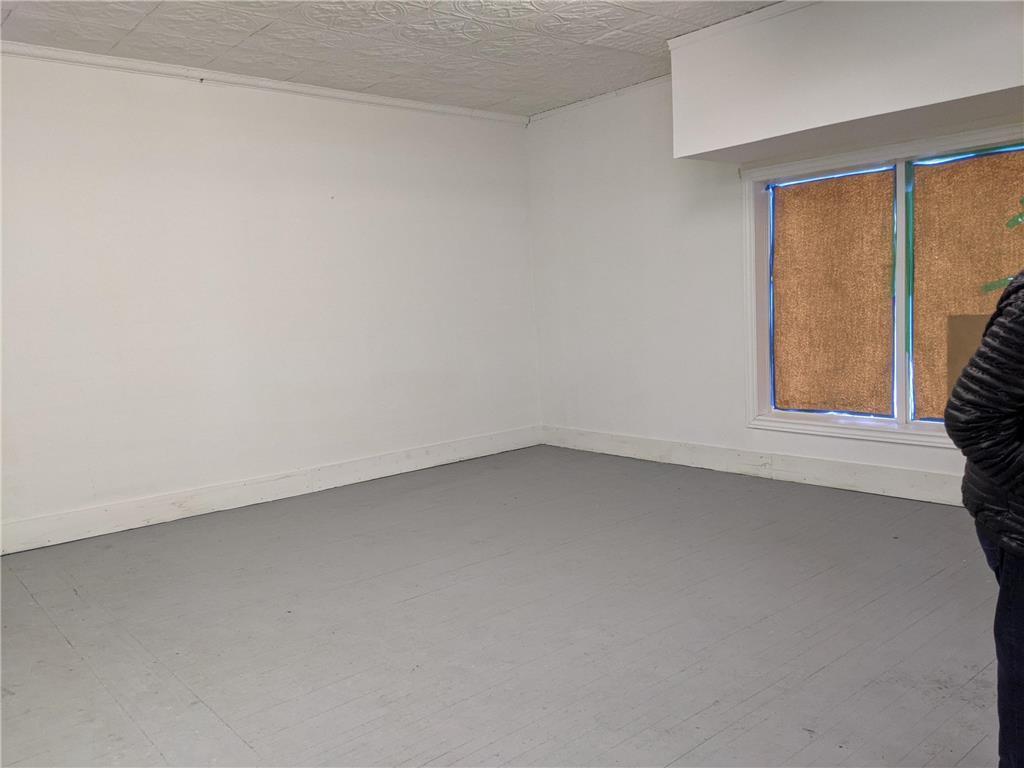 1556 Arlington ST - Interior