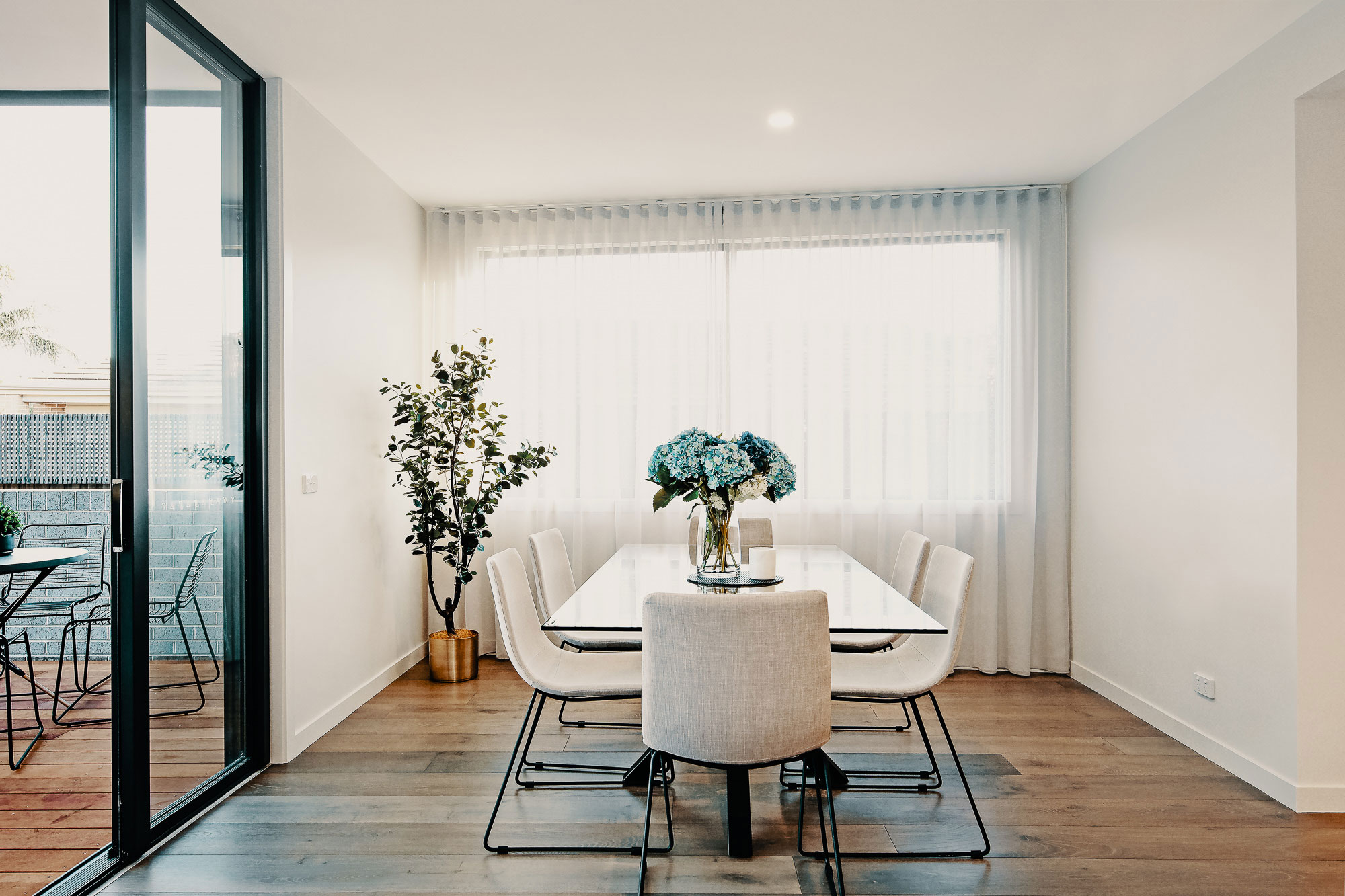 Granted Constructions - Melbourne - Home Living Room