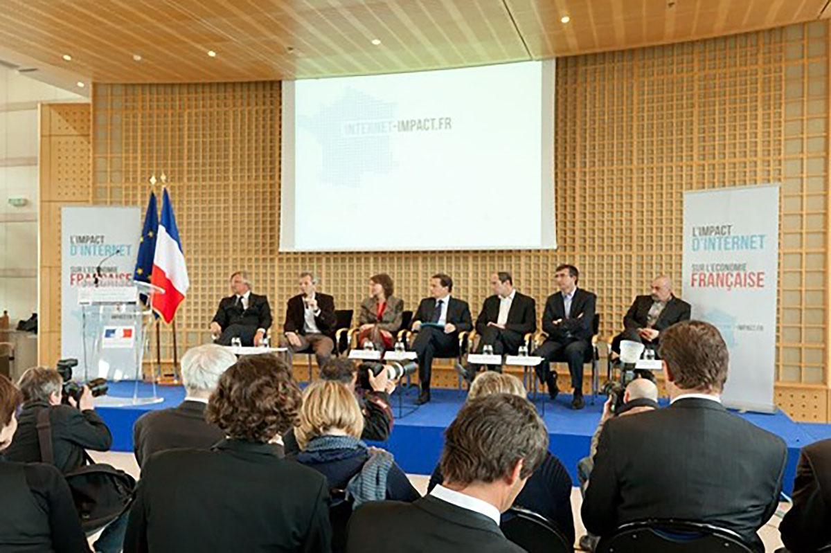 """Table ronde à Bercy pour la présentation de l'étude """"Impact d'internet sur l'économie française"""""""