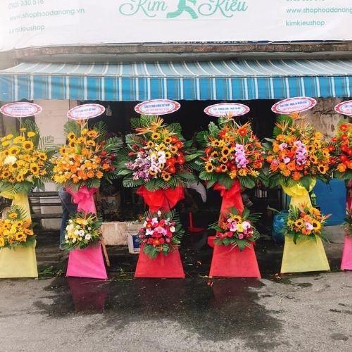 Mẫu hoa chuýc mừng, đa dạng mẫu mã và màu sắc Hoa Mãi Mãi sẽ giúp bạn có một lựa chọn tuyệt vời.