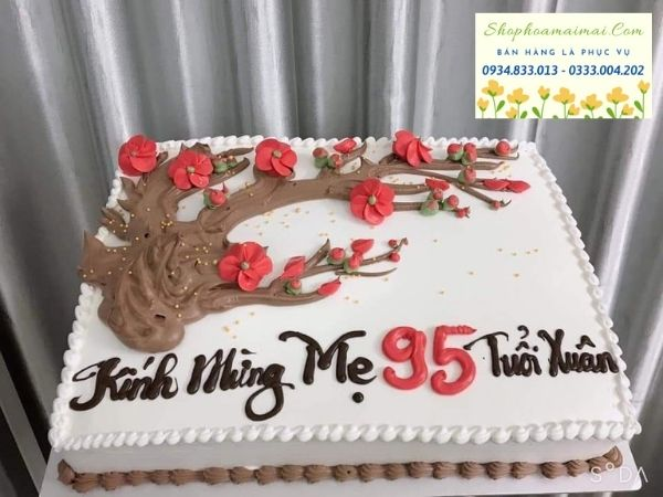 Trong văn hóa người Việt, trong bữa tiệc sinh nhật luôn có mặt của những chiếc bánh sinh nhật. Bánh kem sinh nhật dù nhỏ hay lớn đều mang một ý nghĩa sâu sắc trong giờ khắc ý nghĩa bước sang tuổi mới. Chiếc bánh sinh nhật ở mỗi nước đều gắn liền một câu chuyện ý nghĩa khác nhau. Song, điểm chung của chiếc bánh sinh nhật là chúc cho chủ nhân hạnh phúc, may mắn và thành công trong tuổi mới. Bánh sinh nhật cùng với ngọn nến lung linh giúp chủ nhân hiện thực hóa điều ước trong tuổi mới. Bên cạnh đó, bánh sinh nhật với hình dáng tròn tượng trưng cho một vòng lặp lại, một tuổi mới viên mãn và trọn vẹn. Bánh sinh nhật truyền thống được chế biến với công thức cơ bản từ trứng, bột và các nguyên liệu khác cùng lớp kem tươi phủ bên ngoài. Ngày nay, bánh sinh nhật được sáng tạo thành các loại khác nhau như: bánh sinh nhật bông lan trứng muối, bánh sinh nhật tiramisu, bánh sinh nhật rau câu, bánh sinh nhật trái cây, bánh sinh nhật cupcake... Tuy nhiên, ở bất kỳ công thức nào, bánh sinh nhật cũng mang hương vị ngọt ngào như những lời chúc, lời ước nguyện trước nến trong khoảnh khắc thiêng liêng.