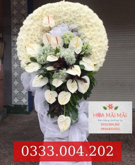 Giao vòng hoa viếng tận nơi Đà Nẵng