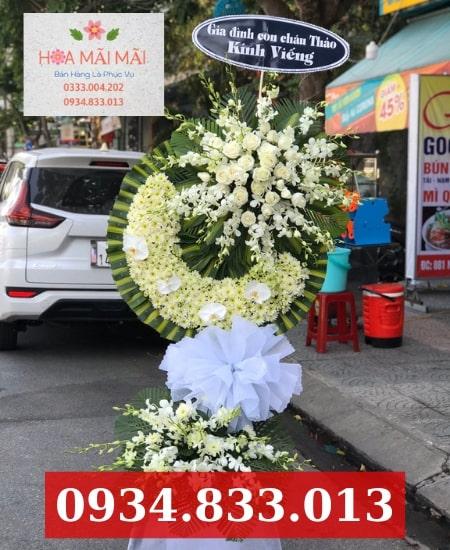 Đặt vòng hoa viếng tại TPHCM