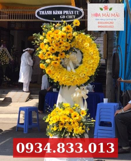 Cửa hàng hoa chia buồn TPHCM