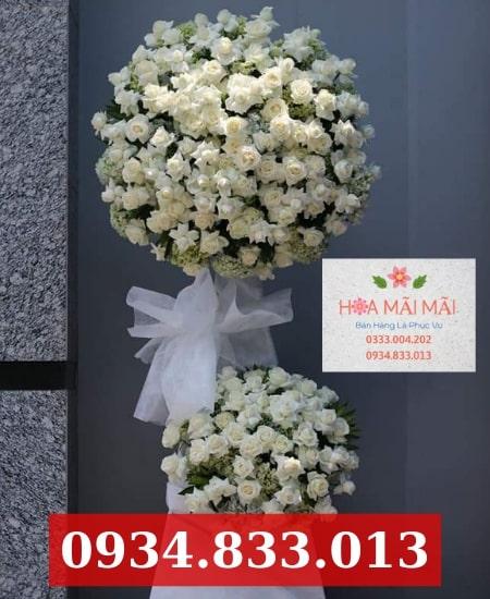 Đặt vòng hoa viếng tang lễ tại TP.HCM