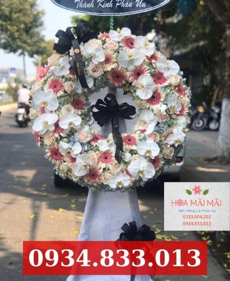 Điện hoa đám tang tại Hòa Xuân