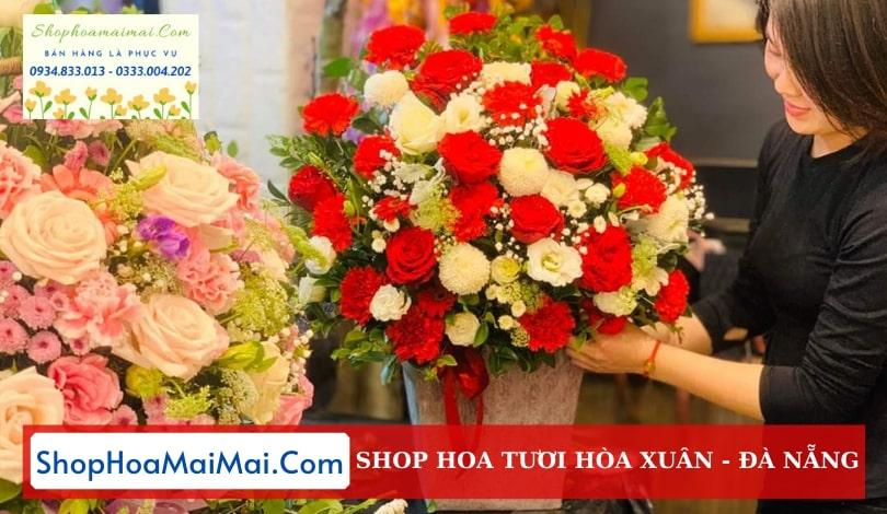 Cửa hàng hoa tươi tại Hòa Xuân