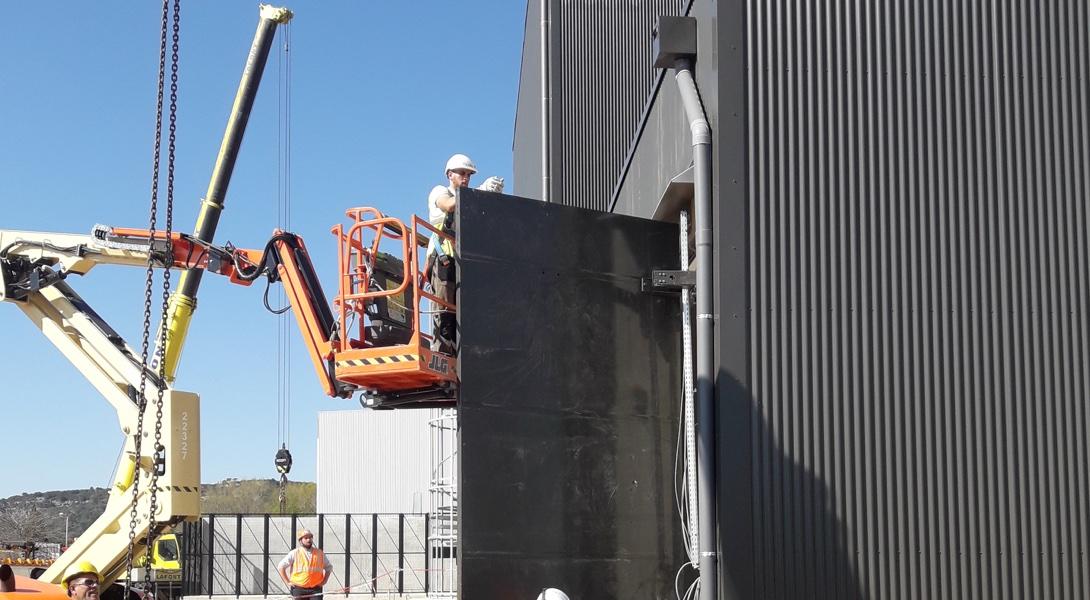 Pose des portes techniques, trappes techniques, cloisons dans les centrales nucléaires et autres sites sensibles