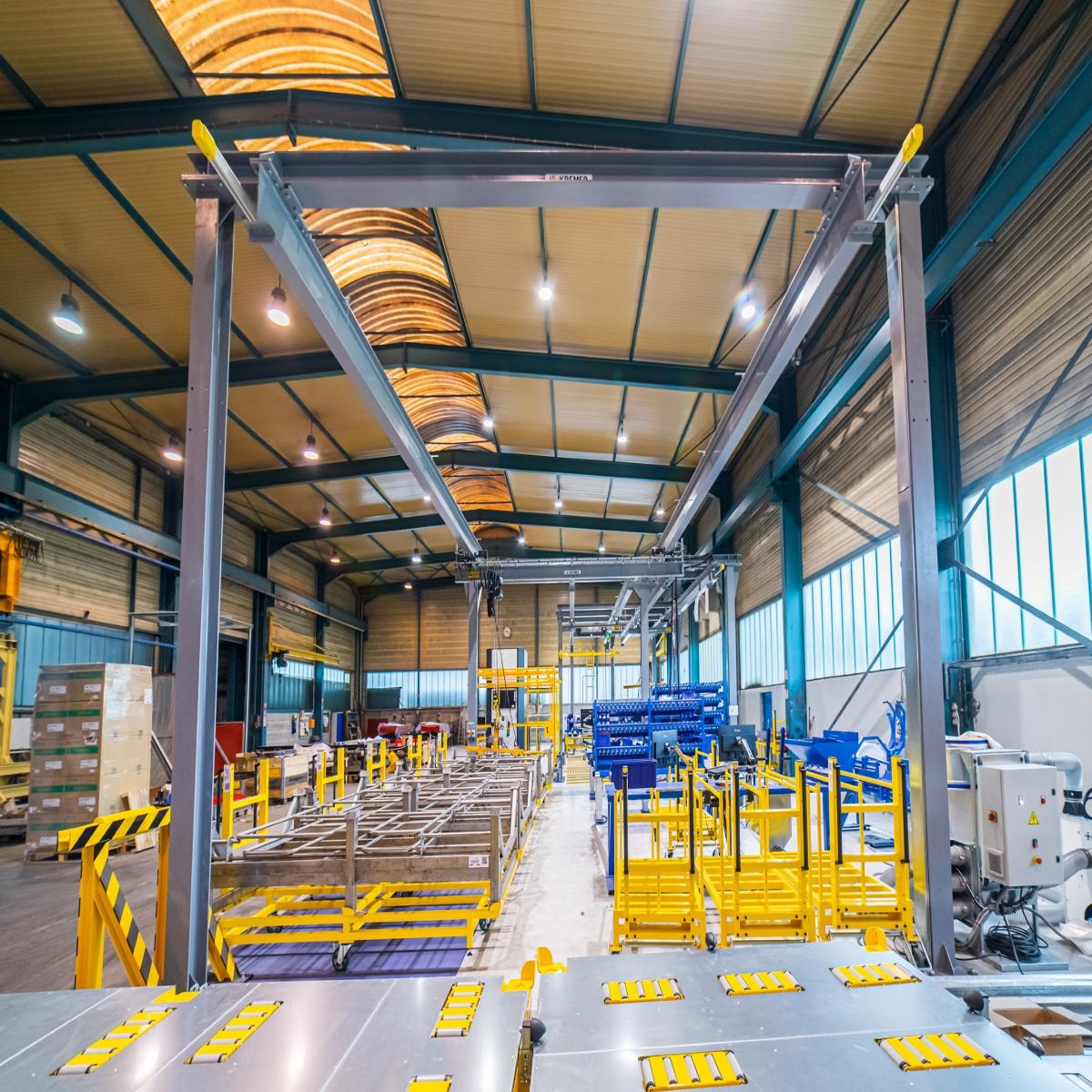Chaîne spécifique de fabrication et montage de la porte technique modulaire AGIL