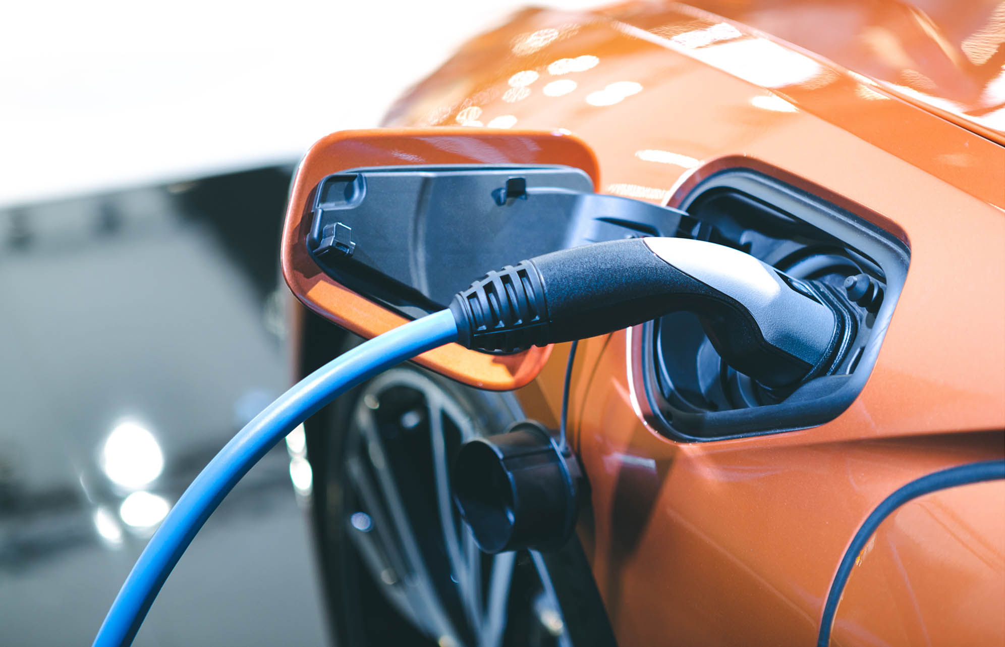 Each electrical or hybrid driven vehicle needs not only large amounts of lithium-ion battery cells, which are assembled in a battery pack and integrated into electrically driven vehicles but also compressed air and gas equipment for the manufacturing processes. Optimize your battery production by choosing the correct equipment combination. Combine air and gas compressors with the right dryers, filters, and gas generators for the best quality results.