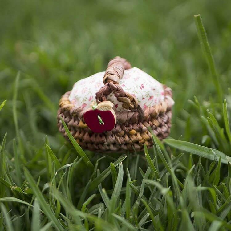 amigurumi tiny picnic basket