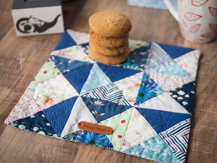 Quilt Petite SAL - Mug Rug - Closeup