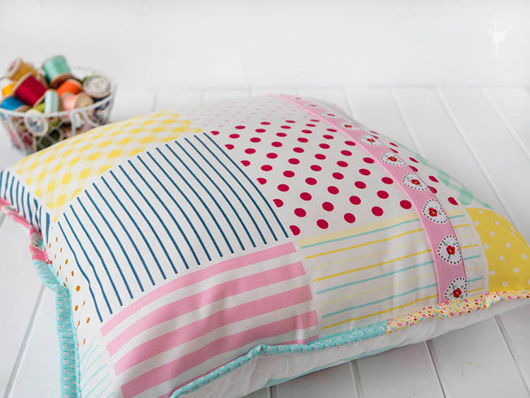 A Big Little Dolly Pillow - concealed zipper