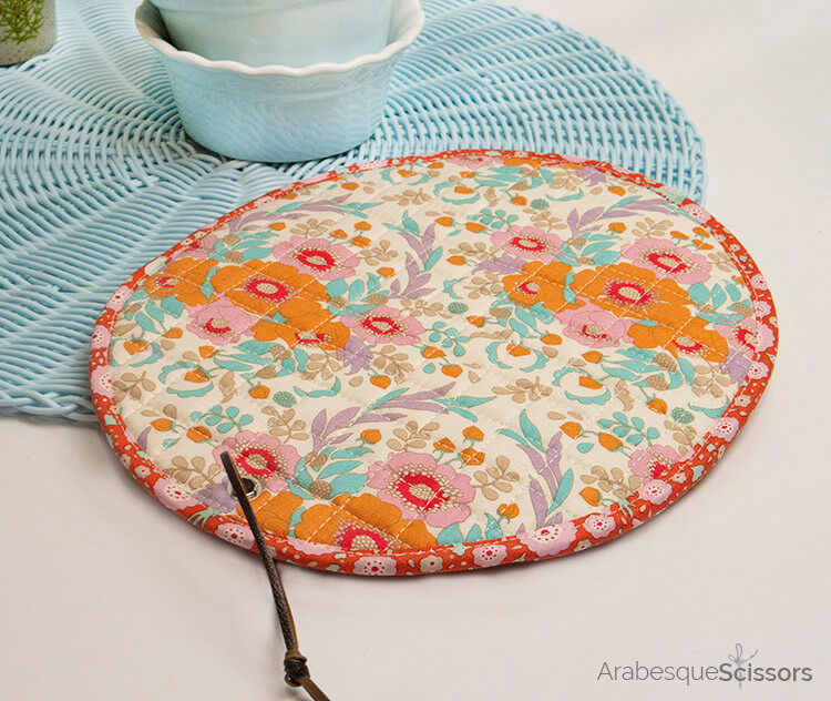Tilda Birdpond FREE Retro Potholders Pattern - retro and modern, great to show off your prints