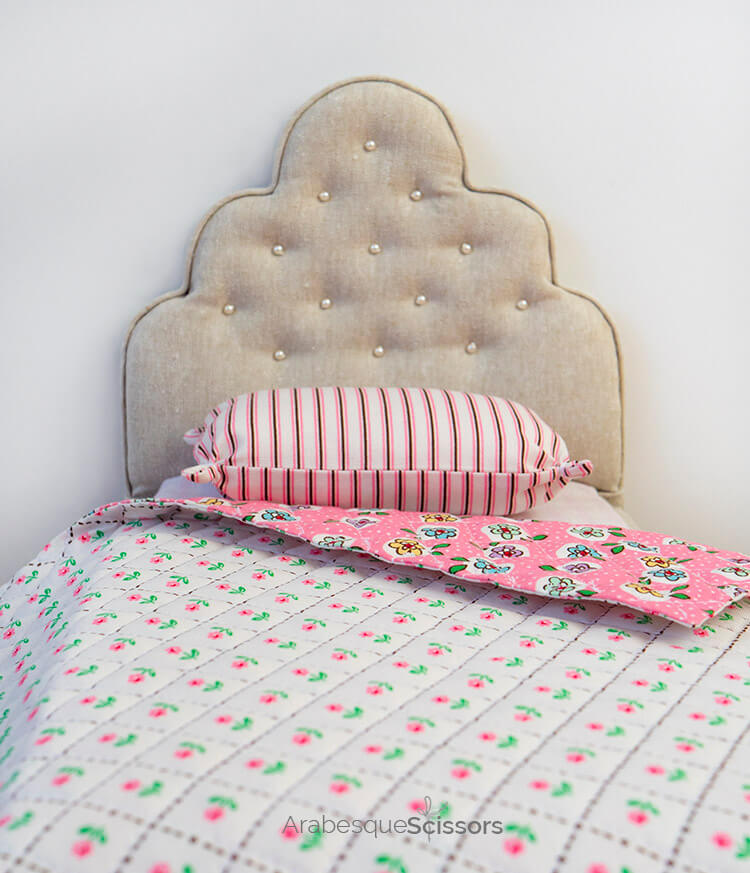 Dolls Bed Set - FREE PATTERN and Instructional Video - basic pillow