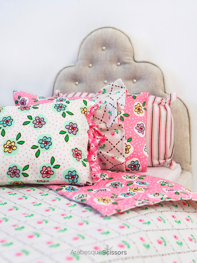 Dolls Bed Set - FREE PATTERN and Instructional Video - set of three tiny pillows