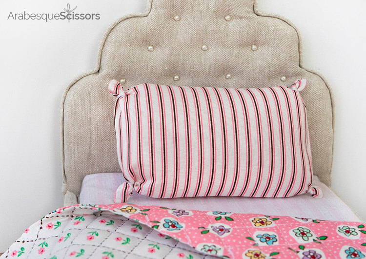 Dolls Bed Set - FREE PATTERN and Instructional Video - basic tied pillow