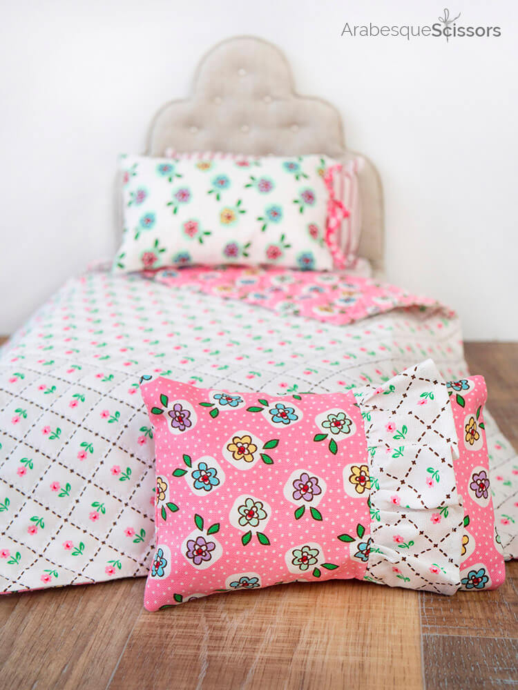 Dolls Bed Set - FREE PATTERN and Instructional Video - cute ruffled dolls pillow