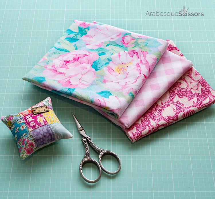 A Stitch in Time Dumpling Bag - Fabric pull basics