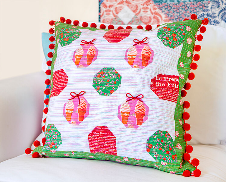 Mini Masterpieces Book Hop - The Snowballs Lesson - Pompoms and bows christmas pillow